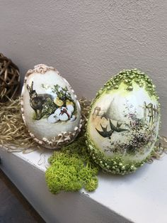 Ostern Decoupage Easter eggs handmade by Melania Cristea Bridesmaid Jewelry - a wonderful gift. Holiday Themes, Holiday Decor, Easter Parade, Egg Decorating, Thank You Gifts, Happy Easter, Easter Eggs, Snowflakes, Decoupage