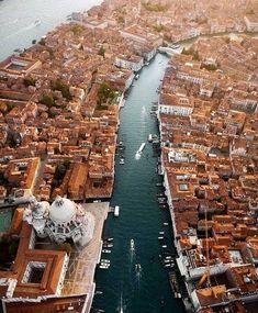Venezia, love that city! Venice Travel, Italy Travel, Places Around The World, Around The Worlds, Places To Travel, Places To Visit, Beau Site, City Landscape, Visit Italy