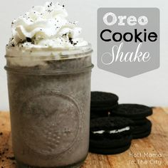 Hott Mama In The City: Oreo Cookie MilkShake Recipe – Kolay yemek Tarifleri Oreo Milkshake, Milkshake Recipes, Milkshakes, Oreo Shake, Healthy Milkshake, Just Desserts, Delicious Desserts, Yummy Food, Dessert Healthy