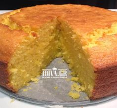 It is so quick and easy and more importantly, super moist and tasty! This can be frozen and thawed for an easy afternoon tea or for school lunchboxes. Whole Orange Cake, Orange Orange, Orange Cakes, Baking Recipes, Dessert Recipes, Orange Recipes Baking, Bellini Recipe, Thermomix Desserts, Let Them Eat Cake