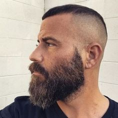 48 Adorable Hairstyles For Men With Receding Hairlines – coiffures et barbe hommes Beard Styles For Men, Hair And Beard Styles, Short Hair Styles, Receding Hair Styles, Receding Hairline Hairstyles, Beard Growth Oil, Beard Haircut, Beard Model, Awesome Beards