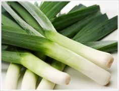 Leeks are packed with nutrients - Haylie Pomroy Fast Metabolism Recipes, Fast Metabolism Diet, Vegetable Stock, Vegetable Recipes, Leek Recipes, Healthy Recipes, How To Cook Leeks, Cabbage Leaves, Leek Soup
