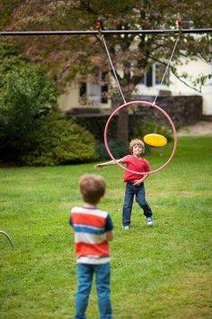 16 Ideias de Atividades e brincadeiras para crianças ao ar livre Outdoor Games For Kids, Backyard For Kids, Outdoor Fun, Party Outdoor, Outdoor Activities, Indoor Games, Field Day Games, Sports Games For Kids, Camping Games