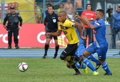 Atención: Ely Esterilla salió lesionado del Clásico y quedaría fuera de la selección