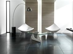 Porcelain tiles. Due to its remarkable resistance, porcelain is the natural choice of ceramic material for flooring in areas with a high level of pedestrian traffic