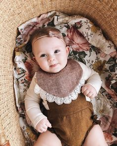 Floral baby swaddle. Baby girl outfit