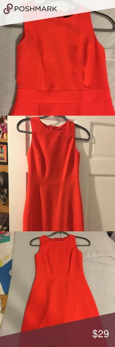 JCrew shift coral dress! Size 0 Like new, worn only once. Long back zipper, fitted dress with slight pleats J. Crew Dresses Midi