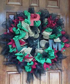 Deco Mesh Wreaths, Door Wreaths, Diy Kwanzaa Decorations, African American Expressions, Juneteenth Day, Diy Wreath, Flag Wreath, Wreath Ideas, Green Wreath