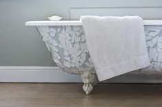 You can dramatically increase the value of your clawfoot bathtub by cleaning stains out of it. Antique clawfoot tubs are nearly always cast iron, which eliminates many cleaning agents as an option. Garden Tub Decorating, Decorating Ideas, Decor Ideas, Gift Ideas, Shower Basin, Bungalow Bathroom, Cast Iron Tub, Shower Floor, Clawfoot Bathtub