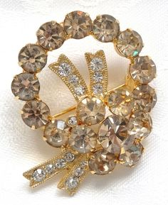 Vintage Eisenberg Ice Wreath Pin Smoky White Rhinestone Gold Tone Xmas Bow Berry #Eisenberg