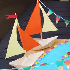 Бумажные кораблики - символ детства. С ними можно воплотить множество идей: приглашение на детский праздник, подарки гостям, эксперименты в воде... #подарок #поделки #поделкиизбумаги #полезноедетям #интересноефото #интересноедетям #Твойребенок #дети #child #children #kids #семья #счастье