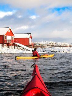 Winter kayaking by Hans Olav Elsebø