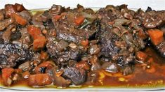 Carrilleras o carrilladas de ternera al vino tinto Pot Roast, Carne, Ethnic Recipes, Youtube, Lean Body, Shape, Beef Cheeks, Ethnic Food, Sweet Treats