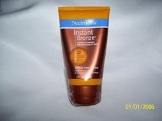 Streak Free Lotion. Instant hint of bronze, plus lasting sunless tan. Get a healthy-looking glow instantly with Neutrogena Instant Bronze® Sunless Tanner and Bronzer in One. The sheer bronzer provides a hint of temporary, natural looking color immediately upon application and allows you to see... Neutrogena, Bronzer, Health And Beauty, Lotion, Glow, Nice, Natural, Healthy, Lotions
