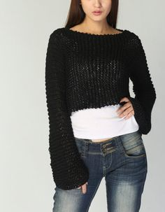 Items similar to Hand knit sweater - Eco cotton little cover up top in Black on Etsy Crop Top Sweater, Knit Cardigan, Crochet Woman, Knit Crochet, Hand Knitted Sweaters, Chunky Yarn, Mode Inspiration, Alternative Fashion, Knit Patterns