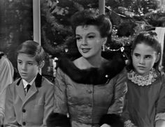 The Judy Garland Christmas Special. I am in love with the looks on Lorna and Joey's faces here.