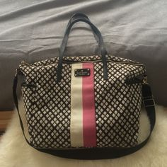 Kate Spade diaper bag Nice roomy diaper bag to fit all your baby needs! Enough space to fit your supplies for twins. Lots of pockets for your personal items as well as bottles, diapers, wipes etc! It has two outside pockets which is perfect for easy access to water bottles. It has handles plus a long strap that can fit over a double stroller (eg a bugaboo donkey) so you don't have to carry it! Also comes with change mat. kate spade Bags Baby Bags