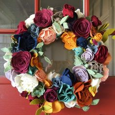 This fall wreath is composed of handmade felt flowers! Each one is unique and will look great on your door through the entire fall season! Rose Gold Christmas Decorations, Felt Decorations, Christmas Crafts, Fall Felt Crafts, Paper Flower Wreaths, Flower Crafts, Paper Flowers, Floral Wreath, Felt Wreath