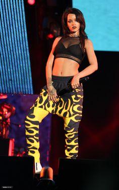 Rihanna performance style x Monster Tour x Eminem