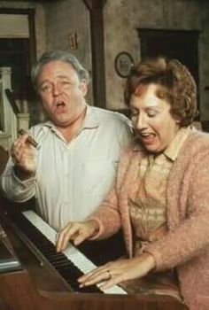 """All in the family"" - Carroll O'Connor, Jean Stapleton - would love to see Archie Bunker deal with some of this political correctness today Nostalgia, Jean Stapleton, Ed Vedder, Archie Bunker, All In The Family, Family Tv, Old Shows, Vintage Tv, Vintage Stuff"