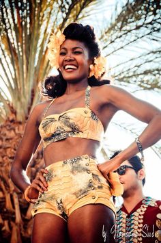 Winner of the vintage swimsuit contest at Viva Las Vegas! Las Vegas Outfit, Las Vegas Fashion, Vintage Bikini, Vintage Lingerie, Luxury Lingerie, Rockabilly Fashion, Rockabilly Style, Afro, Pool Wear
