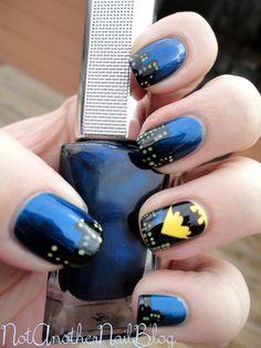 Batman Nail Art - these nails are awesome! Fancy Nails, Love Nails, How To Do Nails, Pretty Nails, Manicure E Pedicure, Mani Pedi, Batman Nail Art, Superhero Nails, Nail Blog