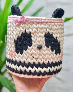 Pixel Crochet, Diy Crochet, Crochet Baby, Crochet Top, Crochet Basket Pattern, Crochet Patterns, Crochet Teddy, T Shirt Yarn, Baby Sewing