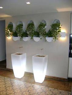 Faltou espaços para suas plantas em casa? Aposte em jardins verticais! https://www.homify.com.br/livros_de_ideias/1659422/