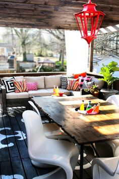 10 REAL & REALLY AWESOME Outdoor Spaces