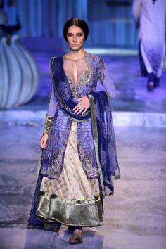 Delhi Couture Week 2012: JJ Valaya | Vogue INDIA