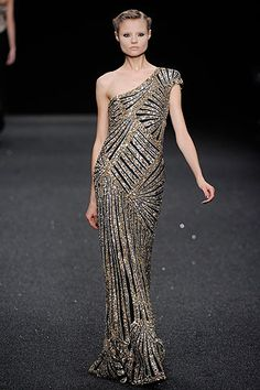 Elie Saab gold sequin gown | When I'm rich, I'll actually have places to wear this gown!