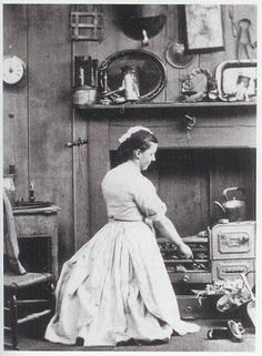 A Victorian London kitchen maid at the stove #history #places #london #victoriana #victorian