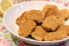 Here is a delicious vegetarian recipe of nuggets! It takes very little Vegetarian Day, Vegetarian Recipes, Charcuterie Vegan, Best Lentil Soup Recipe, Vegan Potato Soup, Vegan Crab, Nuggets Recipe, Bacon On The Grill, Baker Recipes