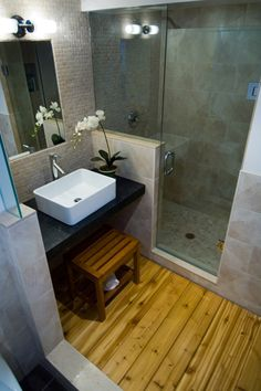 Can't remember if I have pinned this before:  55 Cozy Small Bathroom Ideas Via Cuded