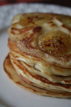 Banana and yogurt pancakes - Passion culinaire by Minouchka - banana pancakes 2 - Snack Mix Recipes, Brunch Recipes, Breakfast Recipes, Yogurt Pancakes, Banana Pancakes, Brunch Outfit, Banana Recipes No Egg, Healthy Brunch, Freezer Cooking