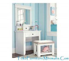 Meja Rias Anak Minimalis Ini Terbuat Dari Bahan Kayu Mahoni ( Mahogany )  Yang Sudah Melalui