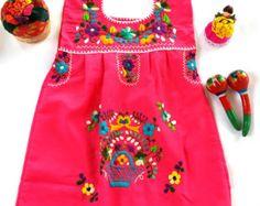 Moni Mexican Embroidered off shoulder Fiesta por MexicanartDesigns Toddler Fashion, Kids Fashion, Mexican Outfit, Mexican Style, Mexican Babies, Mexican Embroidery, Embroidered Clothes, Floral Headbands, Sweet Dress