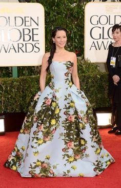 Lucy Liu in Carolina Herrera Golden Globes 2013 Red Carpet Lucy Liu, Flowery Dresses, Nice Dresses, Floral Gown, Fabulous Dresses, Carolina Herrera, Gi Joe, Golden Globes 2013, Versace
