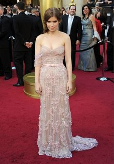 #oscarfashion If you look at this photo, Kate Mara will crawl out of your Pinterest account and kill you in 7 days.
