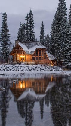 """winter-queen-blr: """"finefools: """"Emerald Lake, Canada by Ian Keefe """" Stay Cozy for the cold days and nights to come! Ideas De Cabina, Beautiful Homes, Beautiful Places, Winter Cabin, Winter House, Winter Snow, Cozy Cabin, Emerald Lake, Winter Wallpaper"""