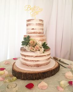 miami wedding cake bakers barely cake with ruffles center tier and gold air 17331