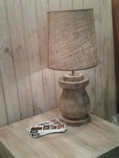 lámpara Gordita madera torneada