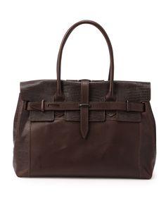 dangenten(ダンゲンテン)クラシックアビエーター 78,750円 /バケッタレザーにリザードの型押しを施した素材と、薄くすいた柔軟なスムースレザーを組み合わせたバッグ。重厚かつこなれた雰囲気でオン・オフ問わず。