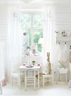 play table and chairs