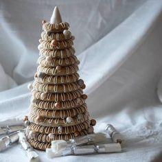 Enkel retrokake med vaniljekrem - Krem.no Norwegian Christmas, Almond Paste, How To Make Cake, Food And Drink, Baking, Sweet, Desserts, Holidays, Instagram