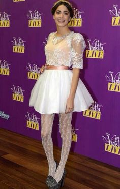 You are too pretty Tini! Disney Channel Original, Celebrity Singers, Normal Girl, Teen Actresses, Skater Skirt, Dancer, Ballet Skirt, Queen, Photo And Video