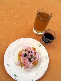#TamaldeSupe con copa de vino y agua de cebada en el Restaurante de #LaCasona de la Universidad Nacional Mayor de San Marcos #UNMSM en #Lima #Perú  www.fb.com/placeok www.placeok.com @place_ok