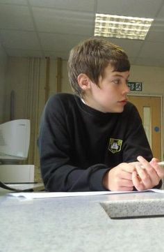Wow... It's Harreehh!!! AAWW OMG FETUS HARRY *CRIES* If you do not repin this I will judge you forever and ever. Not kidding. Lol :)x