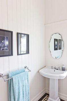 A Queenslander home in Brisbane, Australia by Walk Among The Homes www.walkamongthehomes.com.au #brisbanehomes #queenslander #interiors #bathroom #traditional