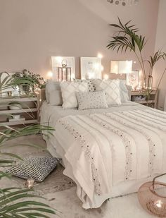 Bohemian Bedroom Decor and Bed Design Ideas Bohemian Bedroom D … Cute Bedroom Decor, Stylish Bedroom, Room Ideas Bedroom, Small Room Bedroom, Bedroom Designs, Small Rooms, Boho Teen Bedroom, Modern Teen Bedrooms, Quirky Bedroom
